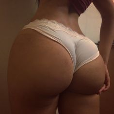 Seller of Big Butts Hips Bums Breasts and Thighs Enlargement creams and pills